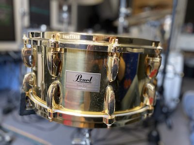 Snare_Pearl_Masters_Brass.jpg